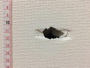 壁の穴を自分で修理